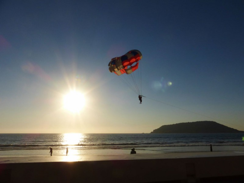 Sunset parasailing – another view from the Best Western