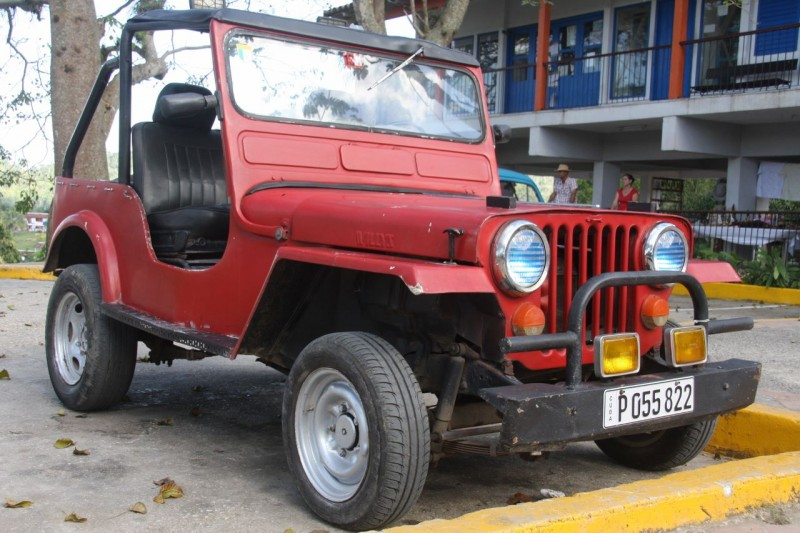 Gotta have at least one Flatfender picture, even if this '52 CJ3A was now 2WD and had a Suzuki rear axle.
