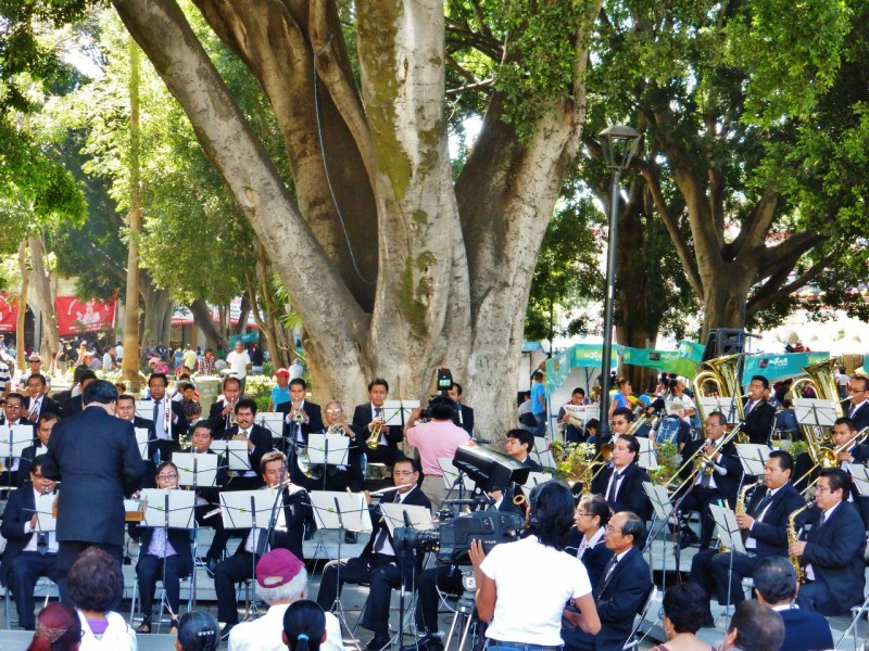 The surprise orchestral concert added to the upbeat atmosphere