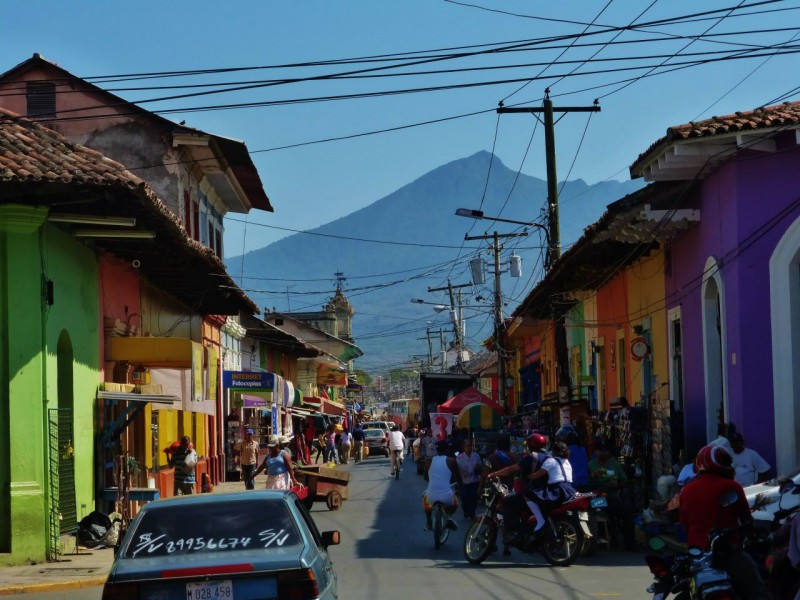 Our next city stop was the cool colonial town of Granada on the shores of Lake Nicaragua.  This is a bustling city with wonderful old colorful buildings, churches, markets and exciting street life at night.