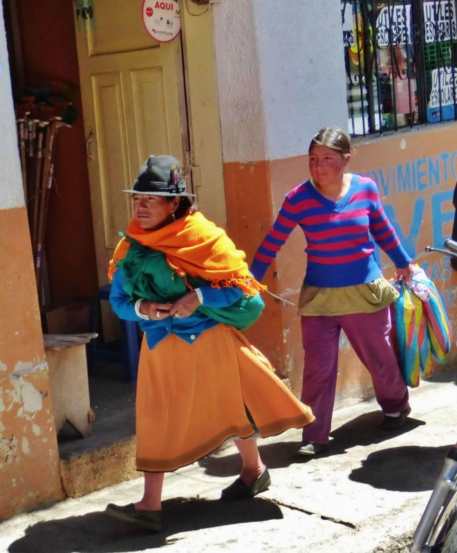 Unlike in Colombia, we began to see some native attire mixed in with the modern.