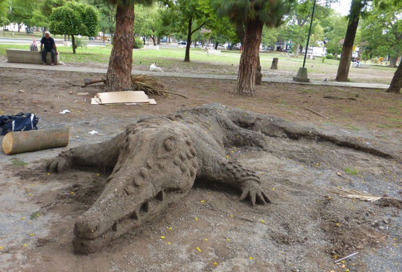 Lyle the Crocodile?  We spotted this clever sand creation along the sidewalk while strolling around Salta on a Sunday afternoon.