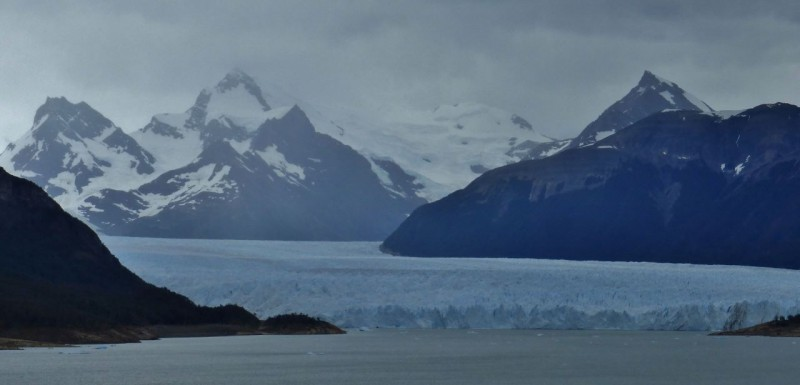 Approaching the Parque Nacional los Glaciares, we got our first look at the mammoth Perito Moreno Glacier.