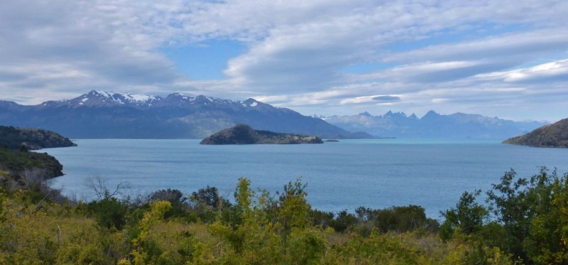 The sun came out and lifted our mood as we drove along the magnificent turquoise Lago General Carrera, the largest lake in Chile and the second largest in South America.