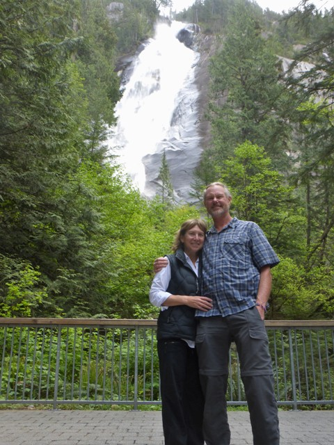 Tourist stop at Shannon Falls.